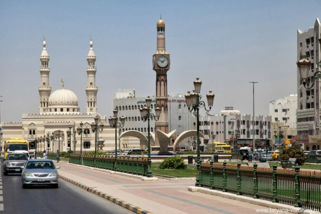 Sharjah Clock Tower - часовая башня Шарджи.