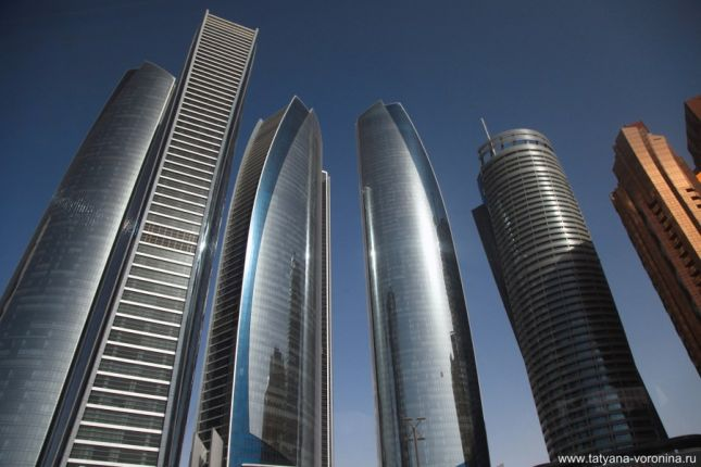 Башни Etihad Towers в Абу-Даби.
