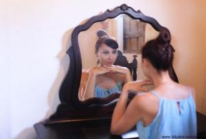 «Свет мой, зеркальце! скажи Да всю правду доложи: Я ль на свете всех милее, Всех румяней и белее?»