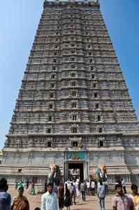 Храмовая башня гопурам